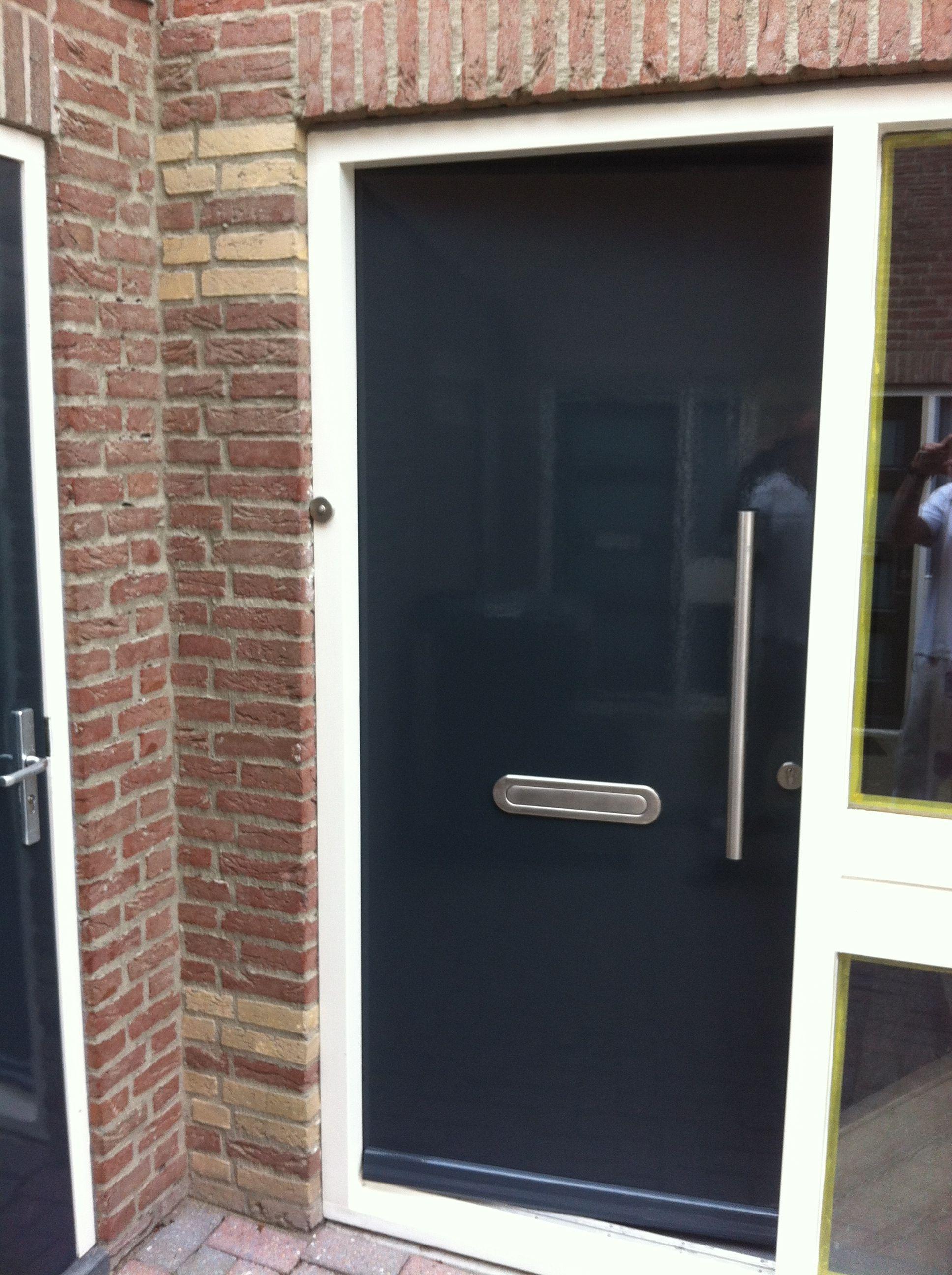 deur 4 na